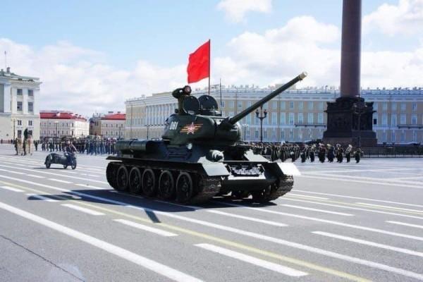 Петербург занял второе место в рейтинге лучших городов на День Победы