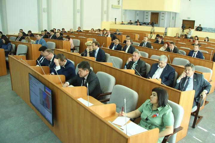Верховный Совет Хакасии угодил в громкий скандал с координатором ЛДПР