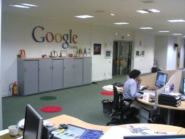 Google позволит автоматически удалять историю местоположений