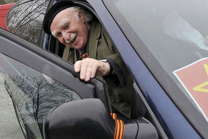 В Хакасии ветеранов на праздник доставит бесплатное такси