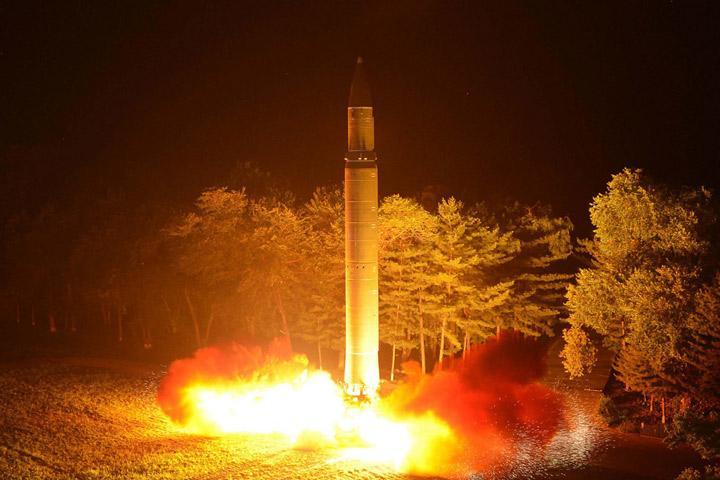 Северная Корея запустила ракету всторону Японии