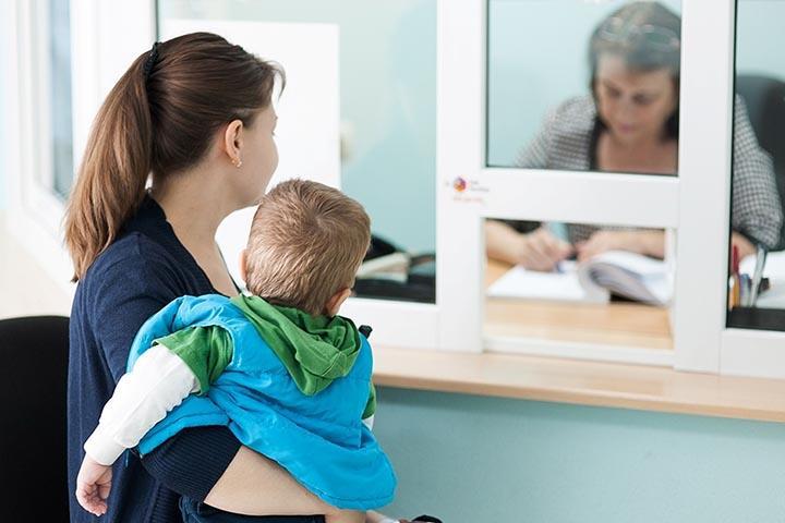 В России изменились правила получения детских пособий