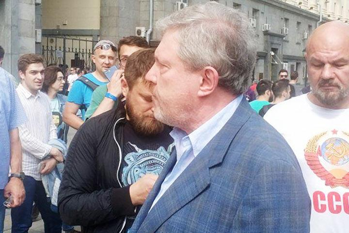 "Григорий Явлинский: ""Восемь требований к власти"""