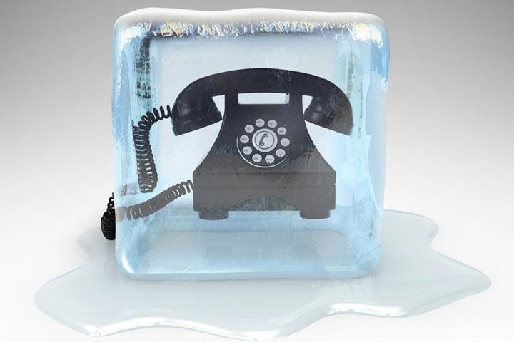 """Что такое """"холодные"""" звонки и почему они запрещены в Хакасии"""