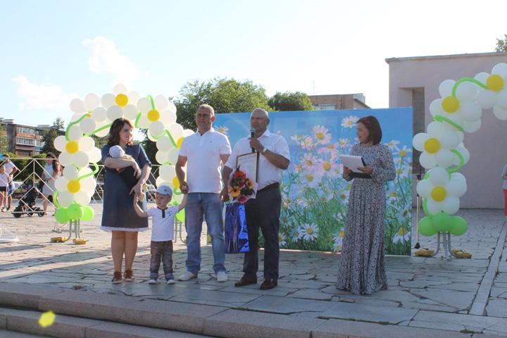 В Хакасии вручили 42-тысячный сертификат на маткапитал
