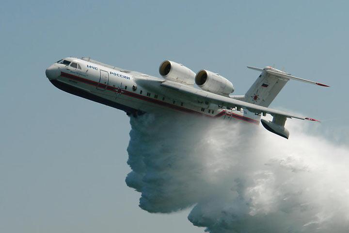К тушению сибиркой тайги подключили самолет-амфибию