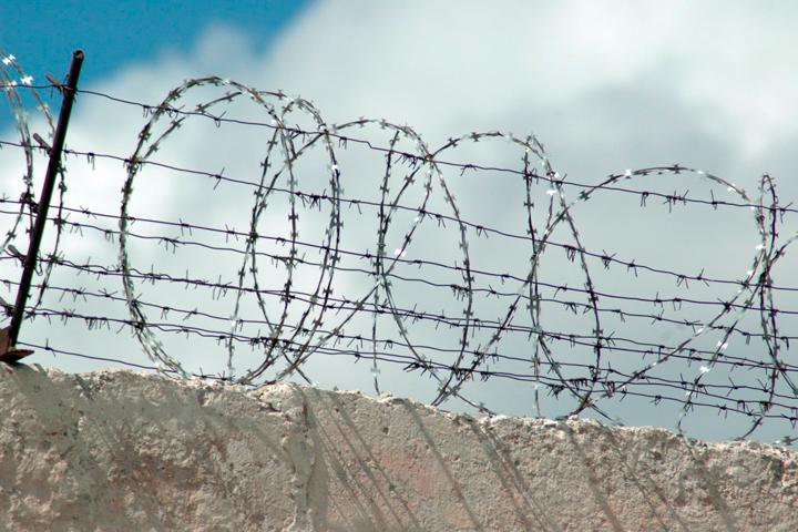 Жителей Хакасии отправляют в колонию за игнорирование детей