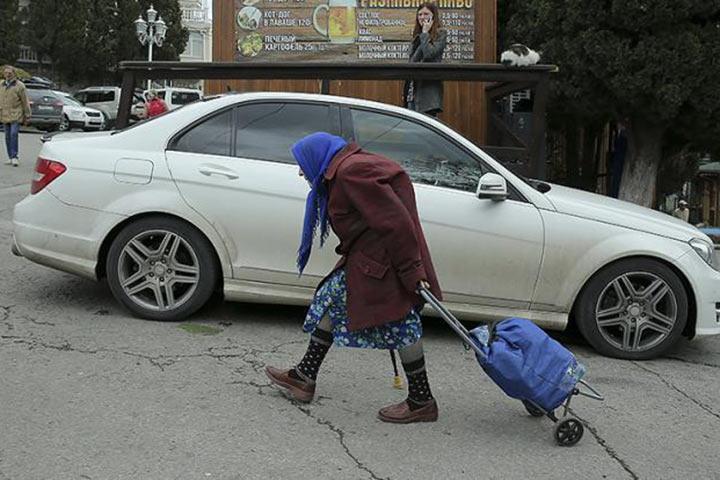 Москву превращают в город миллионеров, где нищим и «понаехавшим» нет места