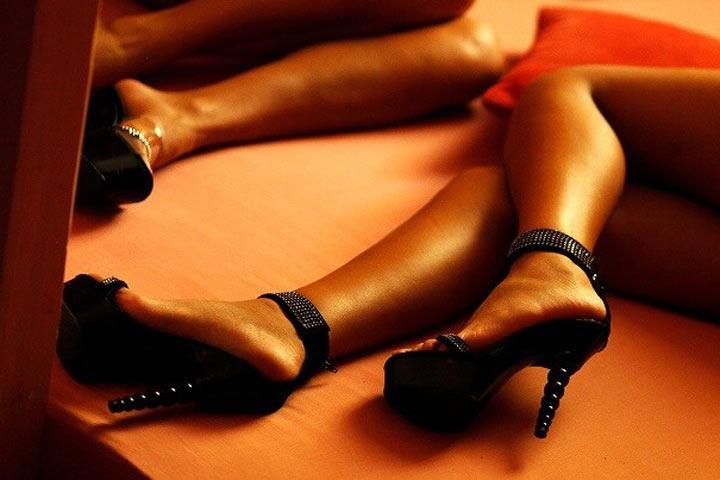 Жителей Абакана осудят за проституток в массажном салоне