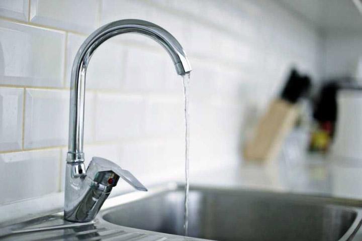 Так есть в Черногорске горячая вода или все-таки нет?
