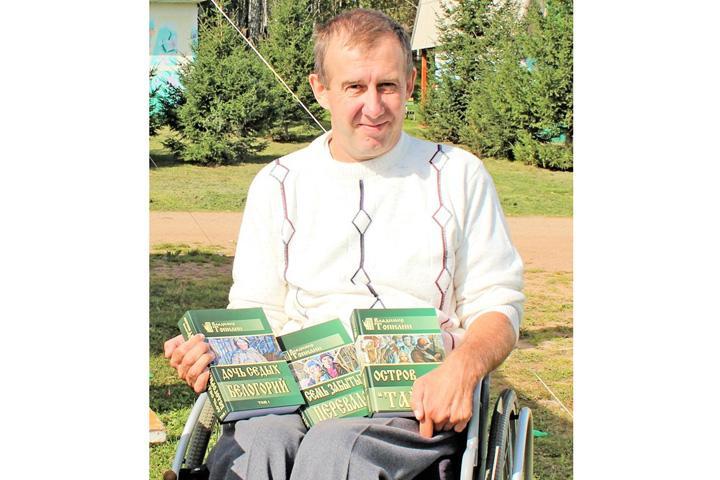В Абакане в библиотеке для слепых встреча с писателем Владимиром Топилиным