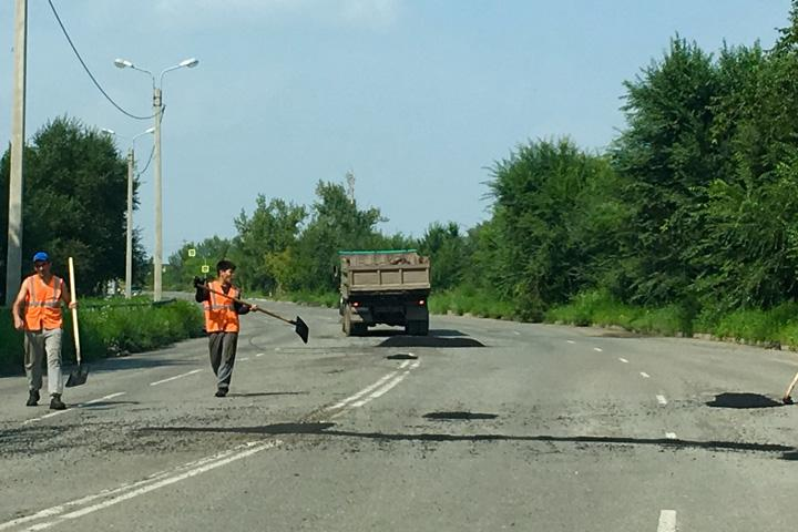 Невероятно: в хакасском городе наказали чиновников, отвечающих за ремонт дорог