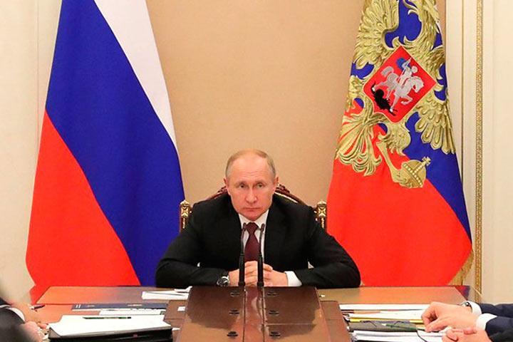 Путин поддержал решение Совбеза не передавать операторам частоты для сетей 5G