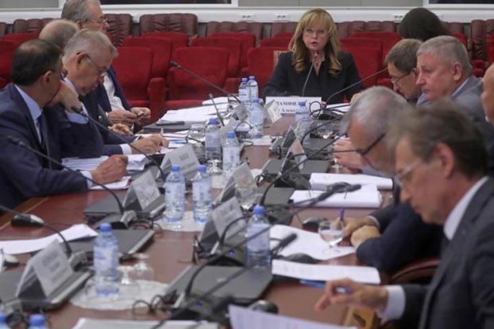 Есть ли выход из политического кризиса в Москве?