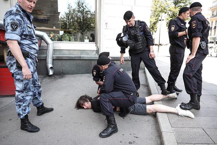 """""""Вы будете нас бить?"""" Истории пострадавших на акции протеста"""