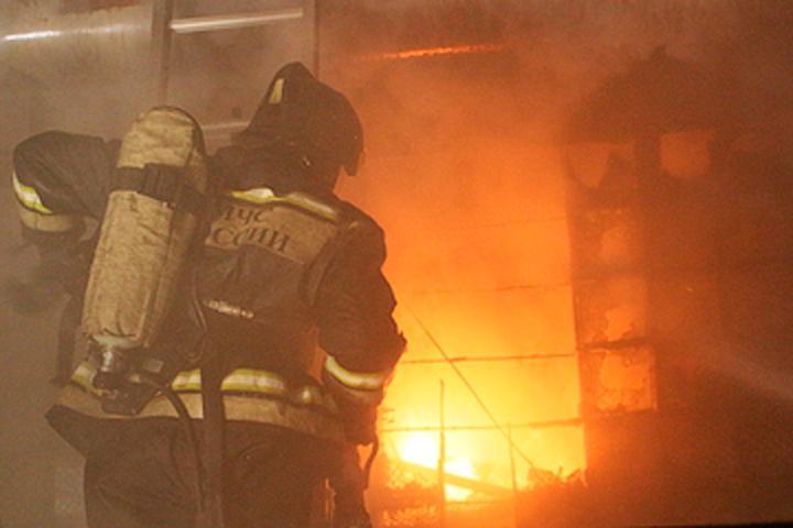 В Хакасии виновница пожара спала, когда ее спасали
