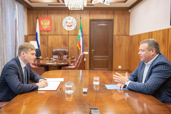 Глава Хакасии и председатель Избиркома поговорили о выборах