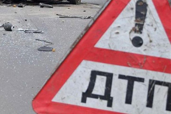 В Хакасии из-за лопнувшего колеса «Мерседеса» травмировалось шесть человек