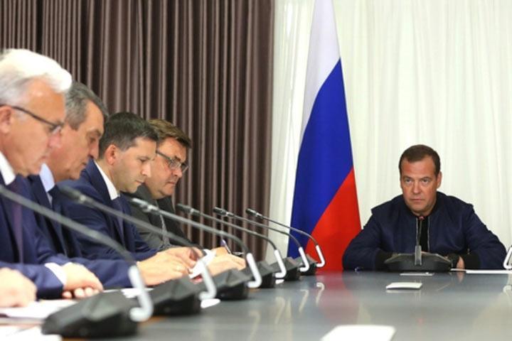 Премьер Медведев не там ищет стрелочников