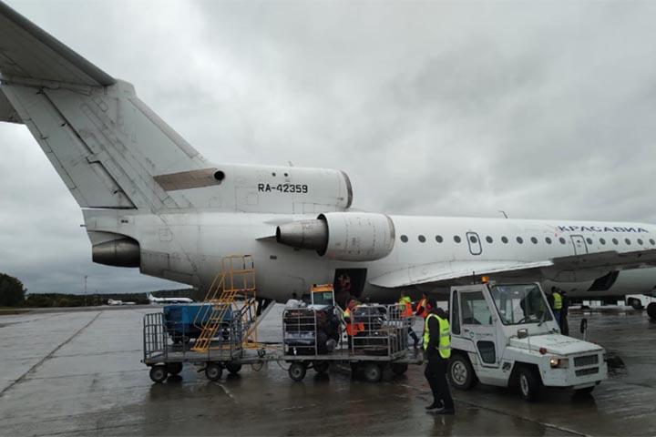 В Красноярске приземлился самолет, у которого отказал двигатель