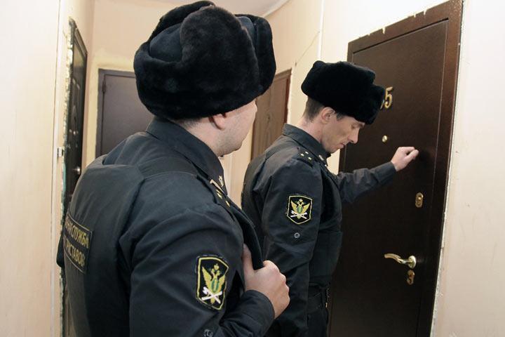 Власть вогнала россиян в долги, а теперь будет их выбивать с особым пристрастием