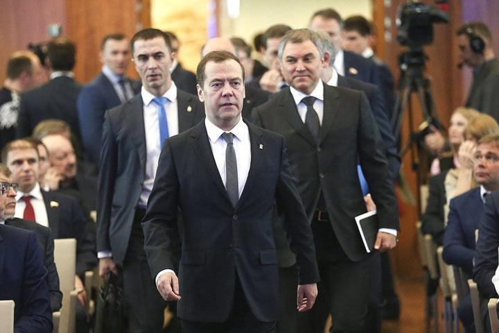Михаил Делягин: У Медведева все в порядке, домик для уточек не покосился