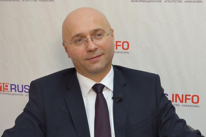 Министр строительства и ЖКХ Хакасии: Поможем всем захромавшим