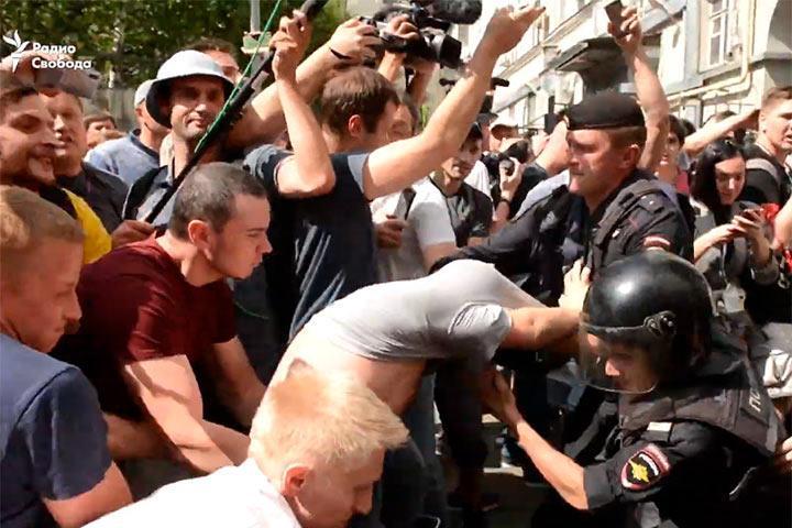ПАСЕ включила в повестку осенней сессии дебаты по протестным митингам в Москве, несмотря на недовольство России