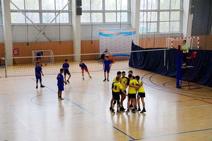 Первенство Хакасии определило сильнейших волейболистов