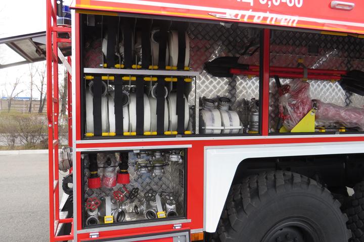 В Хакасию из Миасса прибыли новые пожарные машины