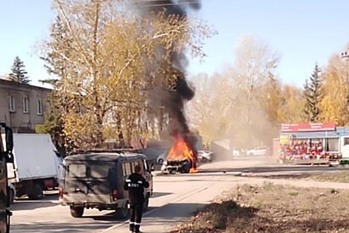 В окружном центре, под носом у сибирского полпреда, дрались, стреляли и жгли машины