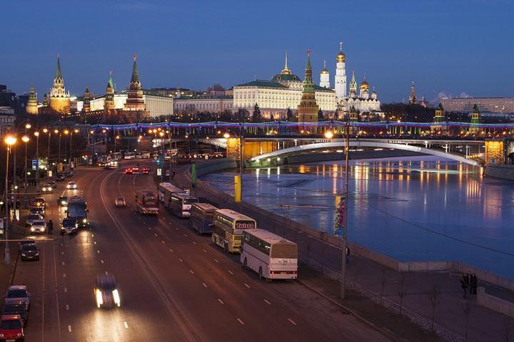 Запад о России знает одно: Воруют!