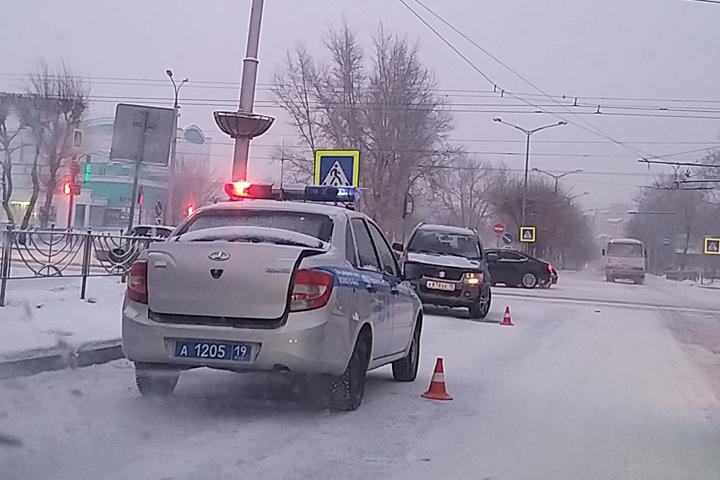 Водителям Хакасии: из-за снегопада движение на дорогах осложнилось