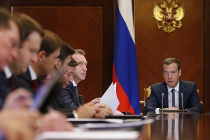 Правительство Медведева решило, что душителей бизнеса развелось слишком много