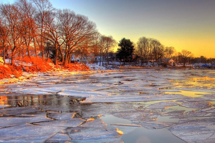 Зимняя аномалия: на Енисее два поселка отрезаны от большой земли