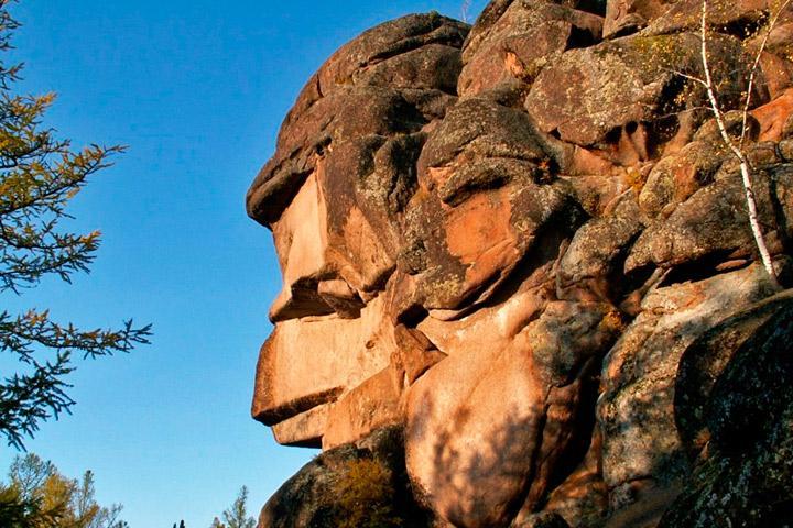 Туристам Хакасии на заметку: знаменитые «Столбы» лишились статуса заповедника