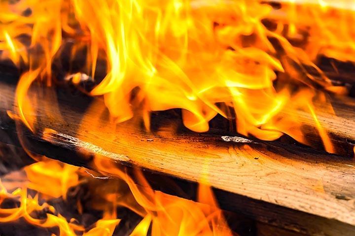 Хакасию утром озарили пожары