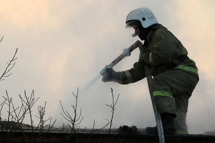 В Бограде сгорели надворные постройки